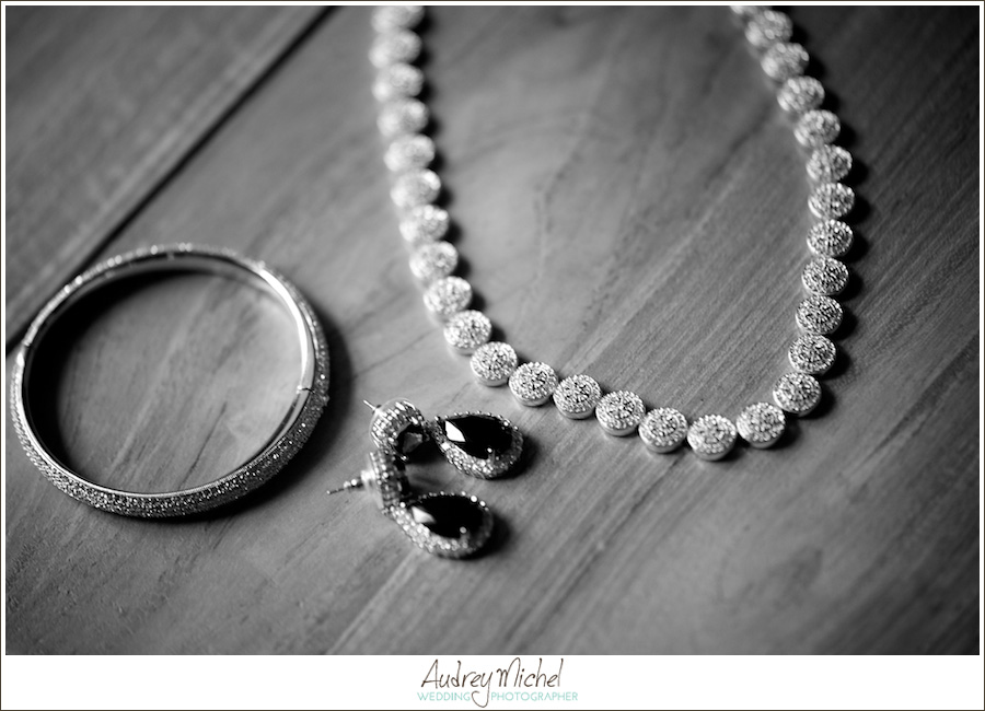 Colorado Wedding Photographers, Something borrowed, heirloom jewelry